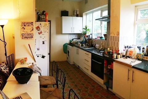 7 bedroom semi-detached house to rent - Park Range, Rusholme, Manchester
