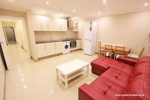 1 bedroom apartment to rent - Hogarth Crescent, CR0