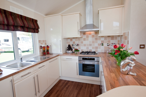 2 bedroom lodge for sale - Cliffe Common North Yorkshire