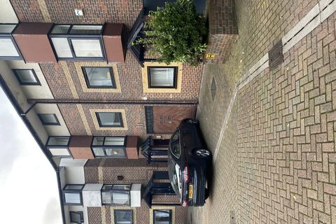 4 bedroom terraced house to rent - Barnfield Place, Docklands, London, London, E14