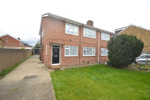 2 bedroom maisonette for sale - Hatton Road, Bedfont
