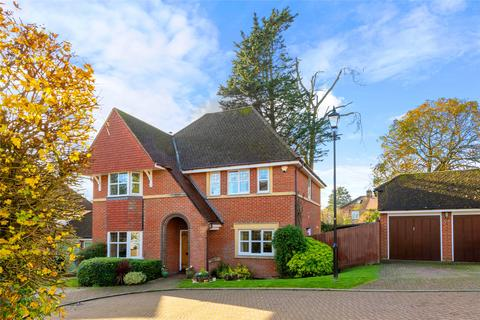 4 bedroom detached house for sale - The Fairways, Redhill, RH1