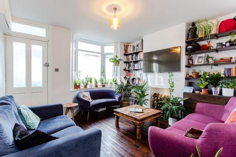 2 bedroom terraced house for sale - Cumberland Road, London, N22