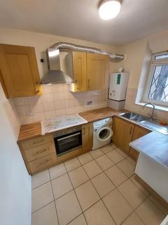 3 bedroom flat to rent - London, E9