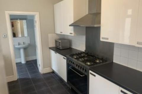 2 bedroom flat to rent - Coniston Avenue NE2
