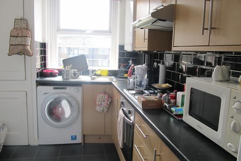 1 bedroom flat to rent - Joscoyne House, Philpot Street, Whitechapel, London E1