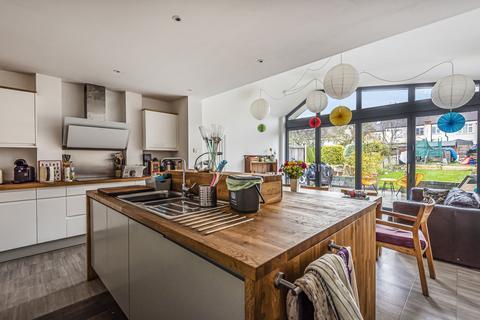 4 bedroom terraced house for sale - Milborough Crescent Lee SE12