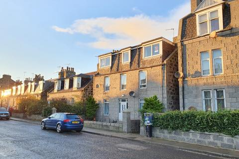 3 bedroom flat to rent - Constitution Street, The Beach, Aberdeen, AB24 5ET