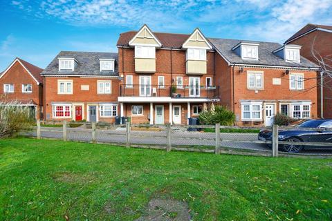 4 bedroom townhouse for sale - Hestia Way, Kingsnorth, Ashford