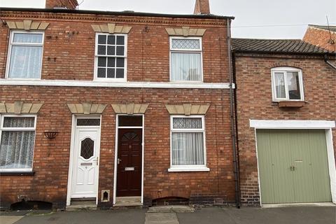 3 bedroom terraced house - Pelham Street, Newark, Nottinghamshire. NG24 4XD