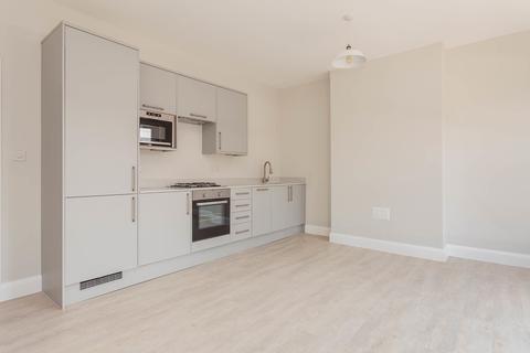 2 bedroom flat - Brockley Rise, SE23
