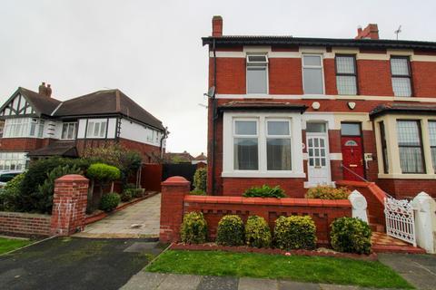 3 bedroom semi-detached house for sale - Devonshire Road, Bispham, FY2