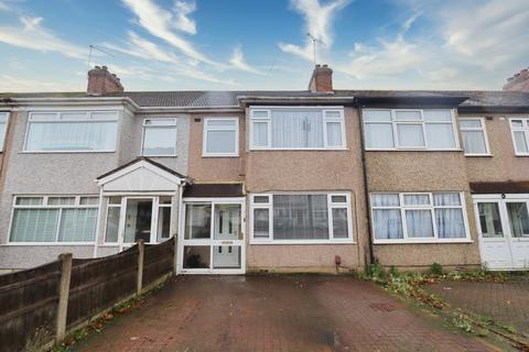 3 bedroom terraced house - Hulse Avenue, Romford, RM7