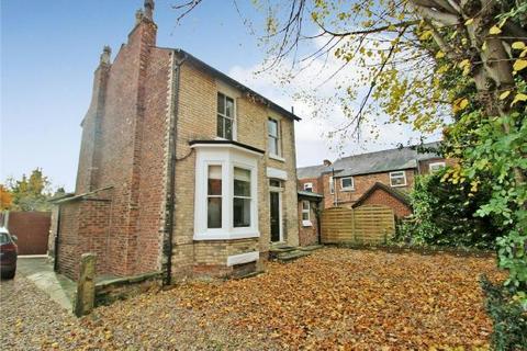 3 bedroom detached house - Milton Grove, Sale