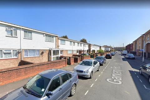 4 bedroom house share to rent - St Davids Square, ,