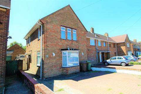 3 bedroom end of terrace house for sale - CHAIN FREE Family Home with Parking in Round Green, Stopsley