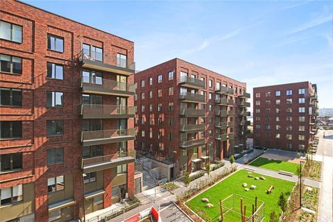 3 bedroom flat - Royal Albert Wharf, Upper Dock Walk, Docklands, London, E16