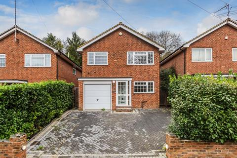 4 bedroom detached house for sale - Caterham Drive, Coulsdon, Surrey (Guide Price £565,000 to £575,000)