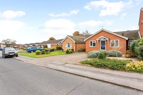 3 bedroom semi-detached house to rent - Tuffnells Way, Harpenden, Hertfordshire, AL5