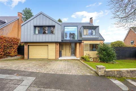 4 bedroom detached house for sale - Castlegate, Prestbury, Macclesfield, Cheshire, SK10