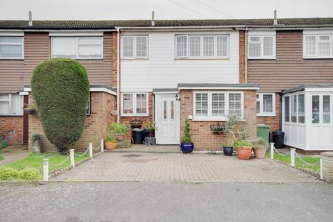 3 bedroom terraced house for sale - Greenacres Close, Rainham, RM13