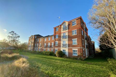 2 bedroom apartment for sale - A Large 'Penthouse' on Porter Square, Grantham