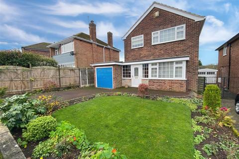 3 bedroom semi-detached house for sale - Hamilton Close, Mickleover, Derby