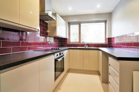 2 bedroom maisonette for sale - Claremont Crescent, Crayford, Dartford