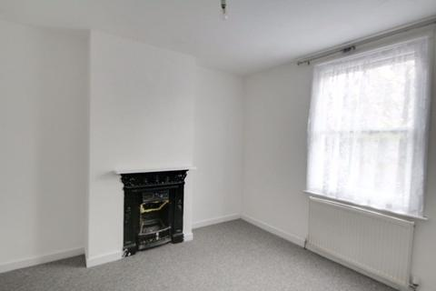 4 bedroom house to rent - St Stephens Road, Barnet