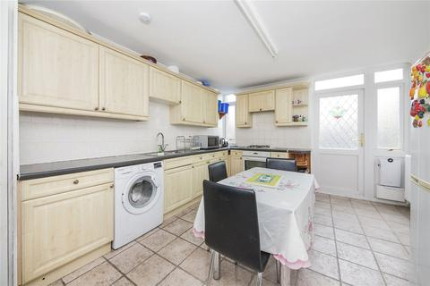 3 bedroom end of terrace house for sale - Booth Close, Thamesmead, London, SE28