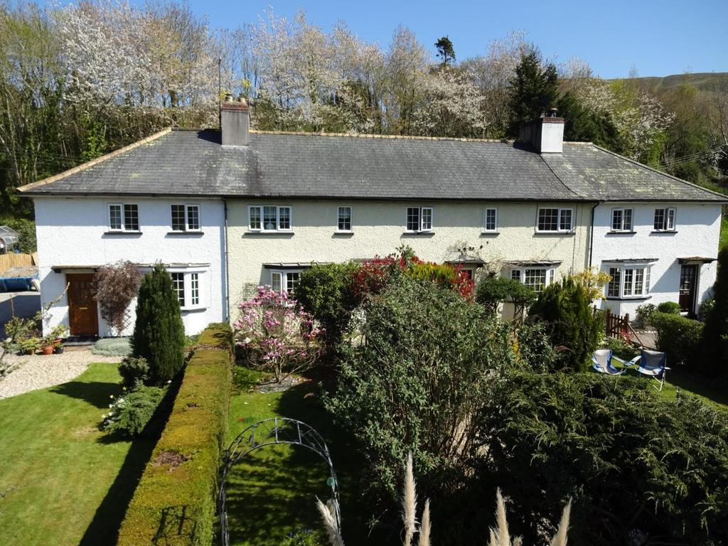 3 Bedrooms Terraced House for sale in Tregerddi, Llandinam, Powys