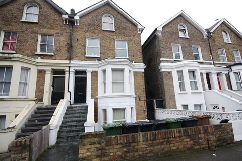 2 bedroom flat to rent - Eastdown Park,  London, SE13