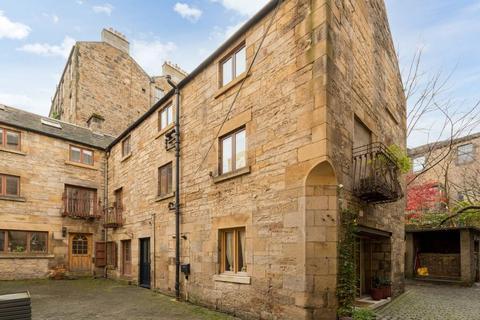 1 bedroom flat - 3/3 Porteous Pend, 25 Grassmarket, Edinburgh, EH1 2HP