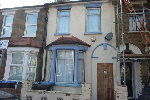 3 bedroom house - Kimberley Road, London