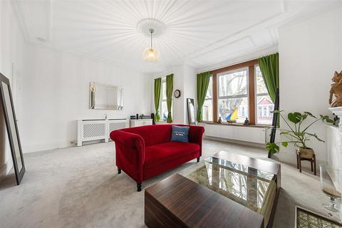 3 bedroom flat for sale - Cavendish Road, SW12