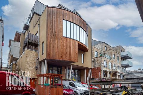 3 bedroom apartment - 2 Carpenters Place, Clapham, SW4