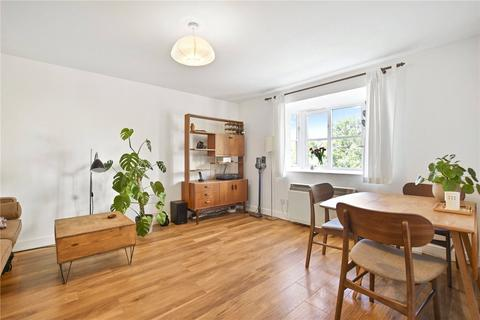2 bedroom flat for sale - Compass House, Armoury Road, London, SE8
