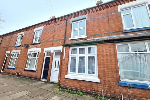 3 bedroom terraced house - Howard Road, Leicester