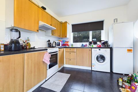5 bedroom semi-detached house to rent - Nyetimber Hill, Brighton BN2