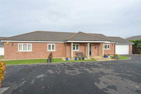 4 bedroom bungalow for sale - The Paddock, Belmont, Durham, DH1