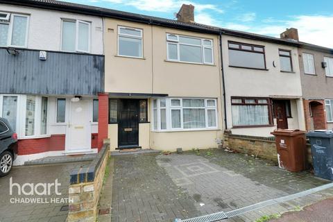 3 bedroom terraced house for sale - Stanley Avenue, Dagenham