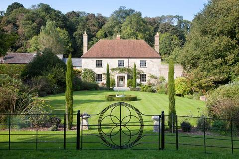 8 bedroom country house for sale - Manor Farm House, Dinton