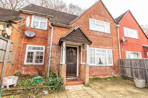 6 bedroom semi-detached house to rent - Cromwell Road, Winchester