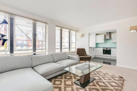 3 bedroom apartment to rent - Clarges Street, Mayfair, London, W1J