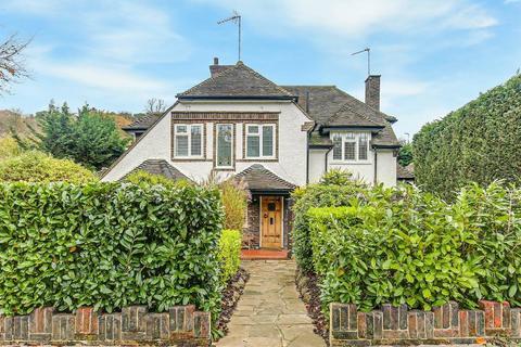 4 bedroom detached house for sale - Croham Valley Road, South Croydon, Surrey, CR2 7JG