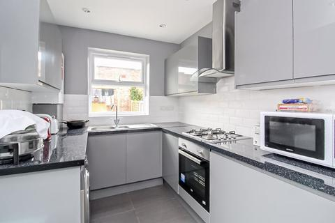 5 bedroom terraced house to rent - Eldon Road, Wood Green, N22
