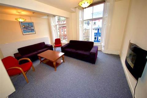 5 bedroom flat to rent - Meadowside , ,