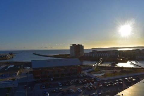 2 bedroom penthouse to rent - South Quay, Marina
