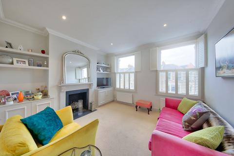 2 bedroom flat for sale - Northcote Road, London, London, SW11