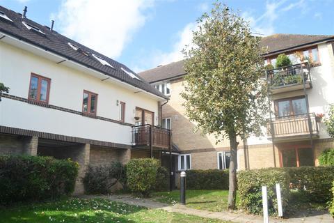 1 bedroom flat to rent - Manor House Way, Isleworth